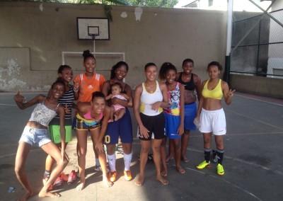 favela-girls-soccer-min