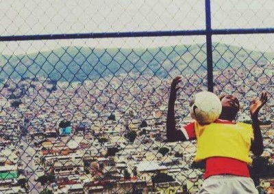 favela-soccer-girls (4)-min