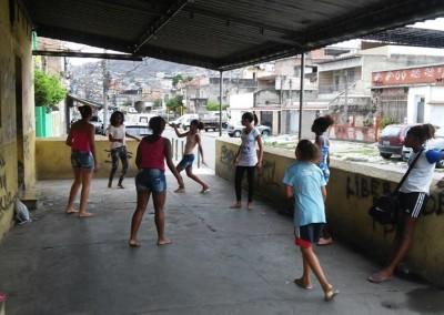 favela-soccer-girls (5)-min