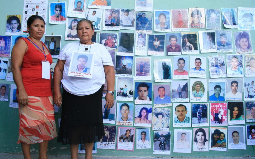 Mujeres migrantes en busca de sus familiares desaparecidos