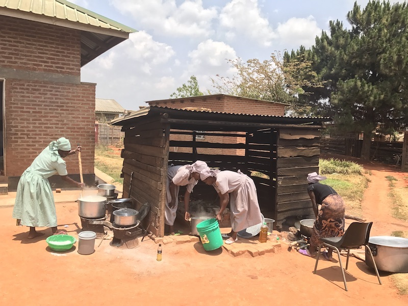Kwithu Women working in After School Feeding program