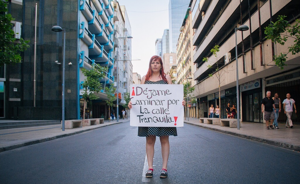 """Should Street Harassment Be Made Illegal?  Young Feminists in Chile Say """"Yes"""""""